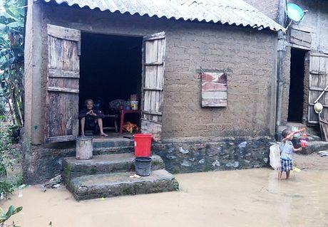Mua lu tai Quang Binh: Nuoc rut den dau tan hoang den do - Anh 2