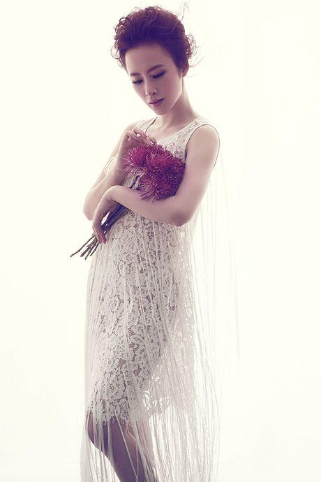 Angela Phuong Trinh khong mac noi y khi dien vay mong nhu suong - Anh 11