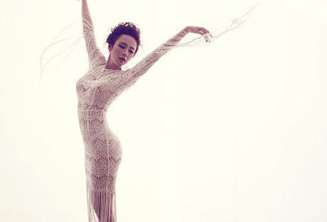 Angela Phuong Trinh khong mac noi y khi dien vay mong nhu suong - Anh 13