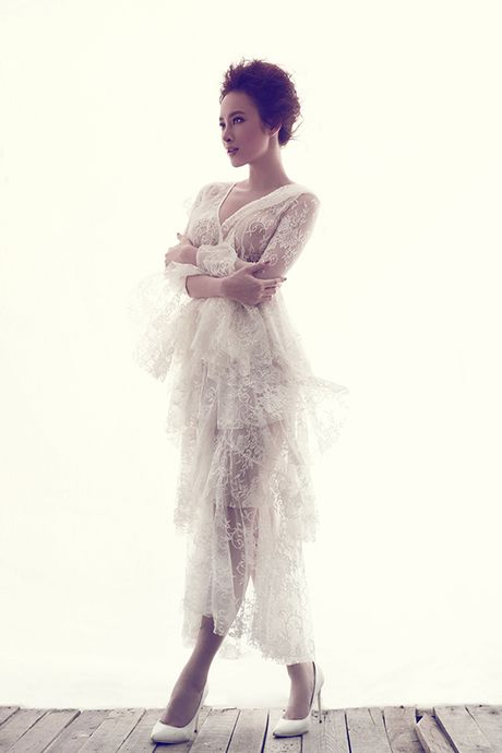 Angela Phuong Trinh khong mac noi y khi dien vay mong nhu suong - Anh 2