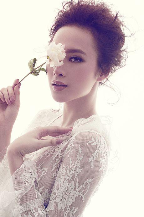 Angela Phuong Trinh khong mac noi y khi dien vay mong nhu suong - Anh 4