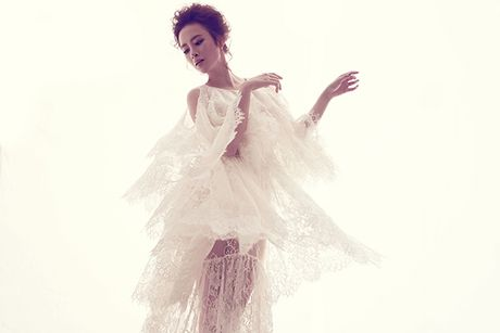 Angela Phuong Trinh khong mac noi y khi dien vay mong nhu suong - Anh 7