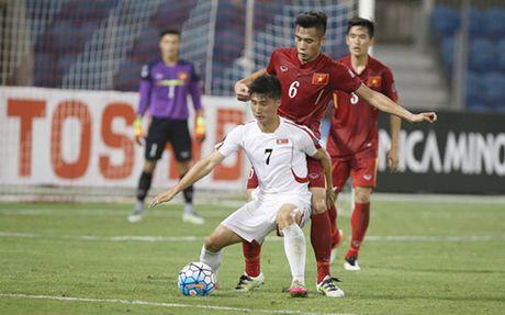 'Be tong hang nang' la giai phap cua U19 Viet Nam truoc UAE - Anh 1