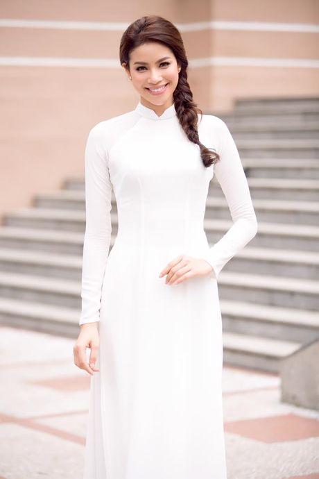Pham Huong duyen dang trong ta ao dai di tham du su kien - Anh 3