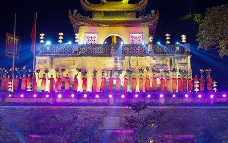 Be mac Festival ao dai Ha Noi - Anh 12