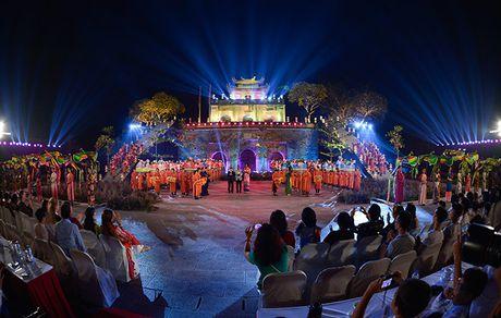 Be mac Festival ao dai Ha Noi - Anh 13