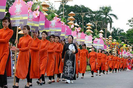 Be mac Festival ao dai Ha Noi - Anh 2