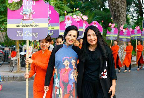 Be mac Festival ao dai Ha Noi - Anh 5