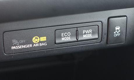 Toyota Innova 2016: Tai sac co ven toan? - Anh 7
