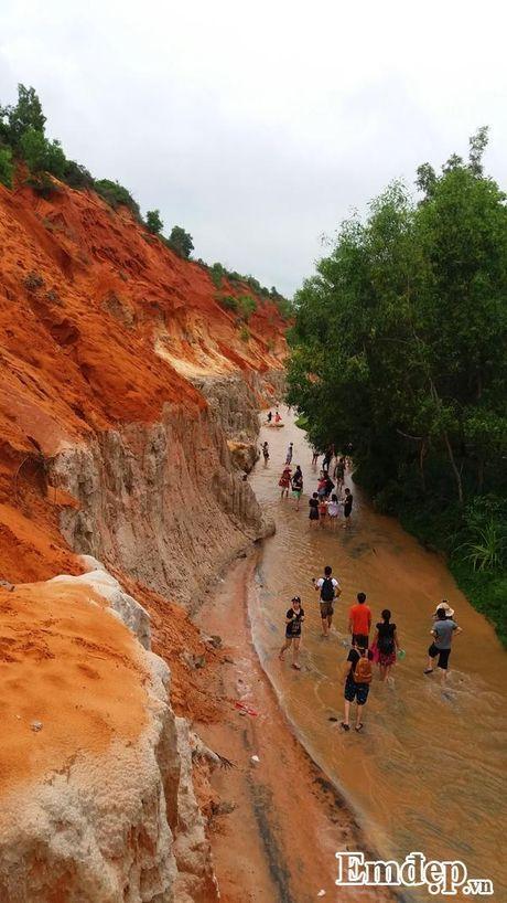 Suoi Tien Binh Thuan: Tien canh noi tran the - Anh 7