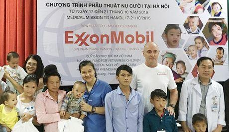 ExxonMobil ho tro dem nu cuoi toi nhung tre em bat hanh - Anh 1