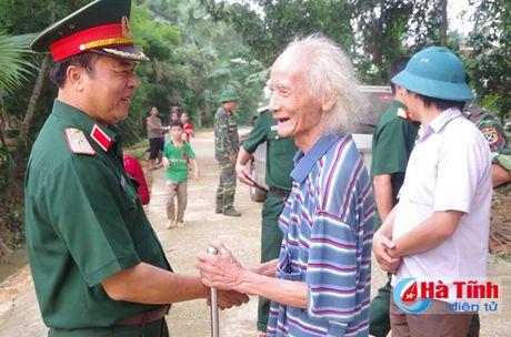 Nhieu tam long se chia voi nguoi dan vung lu Ha Tinh - Anh 1