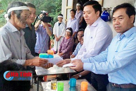 Nhieu tam long se chia voi nguoi dan vung lu Ha Tinh - Anh 9
