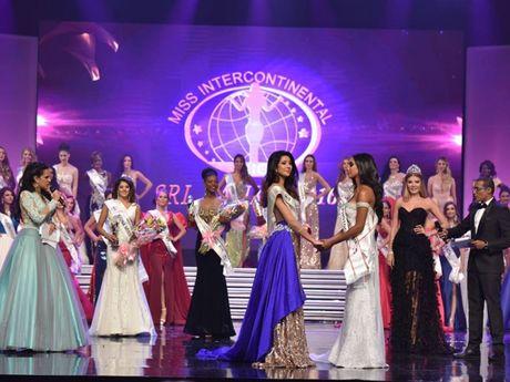 Puerto Rico dang quang, Viet Nam truot top tai 'Hoa hau Lien luc dia 2016' - Anh 1