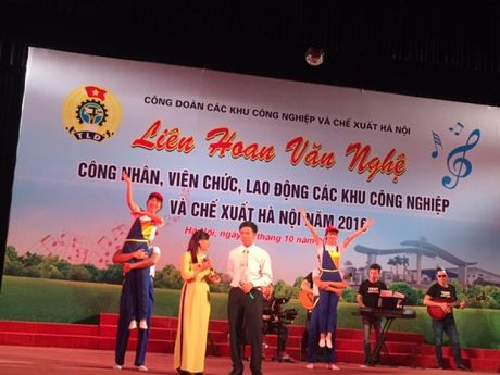 Soi noi Lien hoan van nghe trong CNVCLD Khu CN-CX Ha Noi nam 2016 - Anh 6