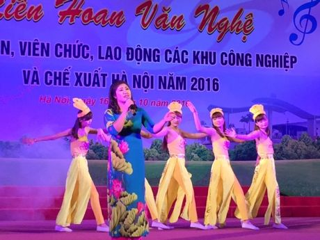 Soi noi Lien hoan van nghe trong CNVCLD Khu CN-CX Ha Noi nam 2016 - Anh 7