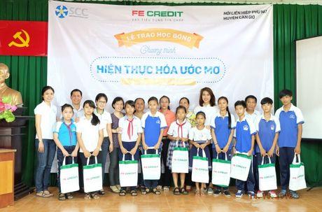 FE CREDIT trao tang 120 suat hoc bong cho tre em ngheo hieu hoc tai 3 dia phuong Tien Giang, Dong Nai, Can Gio - Anh 3