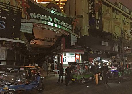 Pho den do Thai Lan diu hiu dip quoc tang - Anh 1