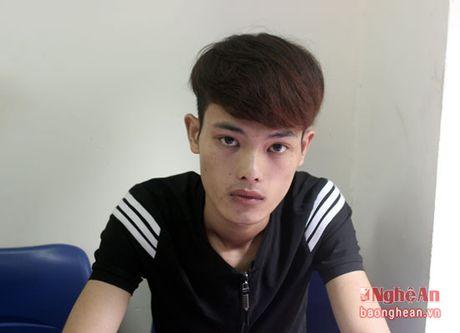 Nhan vien mo ket sat trom tien cua ong chu - Anh 2