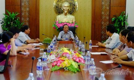 Quang Binh cuu tro khan cap cho nhan dan vung lu - Anh 1