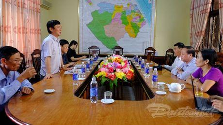 Quang Binh cuu tro khan cap cho nhan dan vung lu - Anh 2
