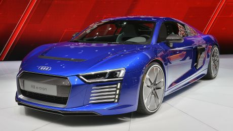 Audi khai tu sieu xe R8 e-tron - Anh 1
