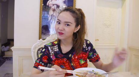 Minh Hang lan dau chia se hinh anh phong ngu rieng - Anh 4