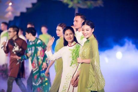 NSUT, NSND trinh dien ao dai tai Festival Ao dai - Anh 1