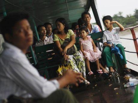 Tai nan pha tai Myanmar, e ngai hang tram nguoi thiet mang - Anh 1