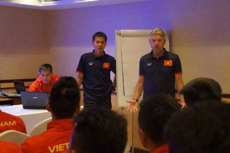 U19 Viet Nam gui loi 'gan ruot' ve que nha - Anh 1