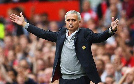 Paul Scholes lai gay soc, noi Mourinho thieu tan nhan - Anh 2