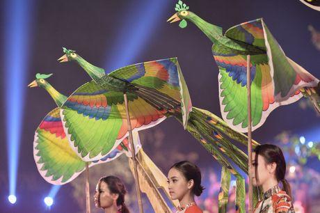 Hinh anh: Hoang Thanh lung linh trong dem be mac Festival Ao dai - Anh 4