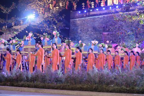 Hinh anh: Hoang Thanh lung linh trong dem be mac Festival Ao dai - Anh 9