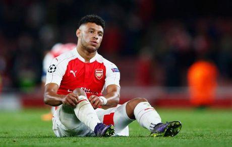 Chamberlain 'doa' roi bo Arsenal de duoc da chinh - Anh 4