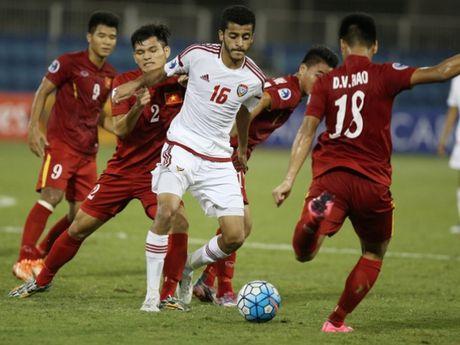 HLV Hoang Anh Tuan hai long khi 10 nguoi U19 Viet Nam gianh 1 diem - Anh 1