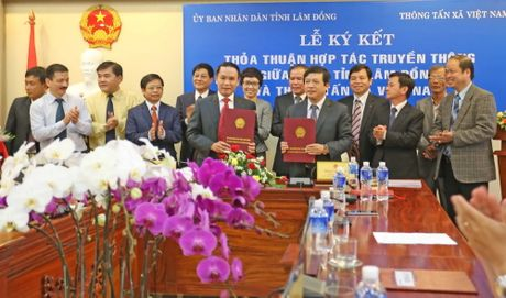 TTXVN ky ket hop tac truyen thong voi Uy ban Nhan dan tinh Lam Dong - Anh 2