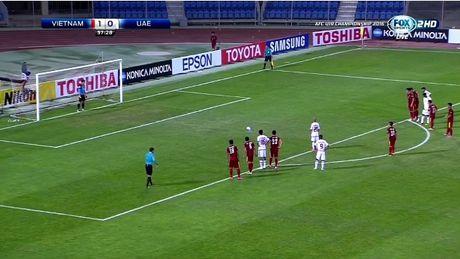 Clip U19 Viet Nam bi thoi penalty va mat nguoi day tranh cai - Anh 1