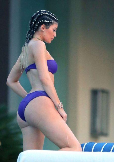 Bi mat sau duong cong 2 hot girl sexy nhat Hollywood - Anh 18