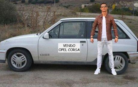 Cong dong mang troll Ronaldo di cho bang sieu xe - Anh 7
