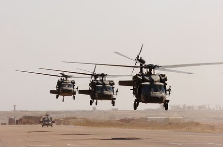 Quan doi My nhan truc thang UH-60M Black Hawk thu 1.000 - Anh 1