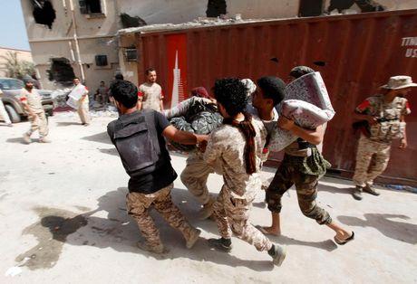 Libya danh duoi phien quan IS cuoi cung khoi thanh pho Sirte - Anh 10