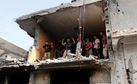 Libya danh duoi phien quan IS cuoi cung khoi thanh pho Sirte - Anh 3