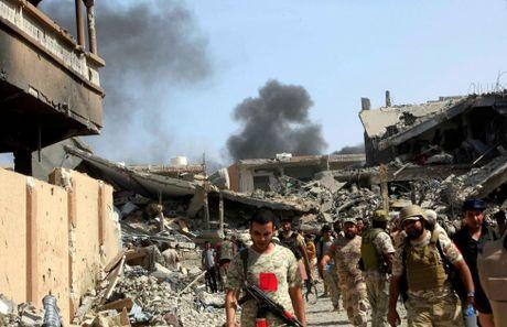 Libya danh duoi phien quan IS cuoi cung khoi thanh pho Sirte - Anh 6