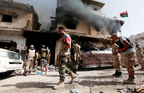 Libya danh duoi phien quan IS cuoi cung khoi thanh pho Sirte - Anh 7