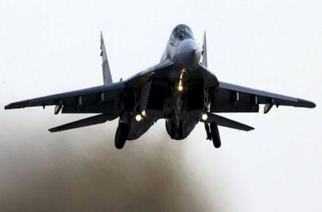 MiG-29 Syria mang ten lua R-77, My-Israel khong dam lam lieu? - Anh 7