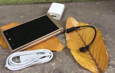 Freetel Musashi – smartphone nap gap doc dao voi 2 man hinh cam ung - Anh 2