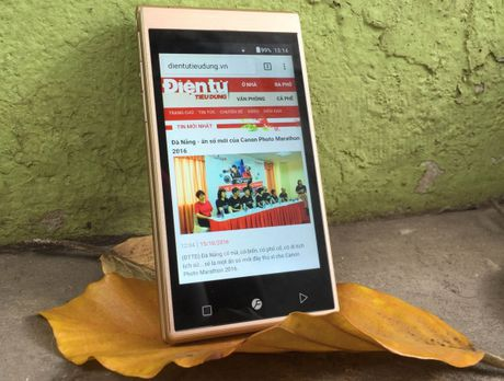 Freetel Musashi – smartphone nap gap doc dao voi 2 man hinh cam ung - Anh 3