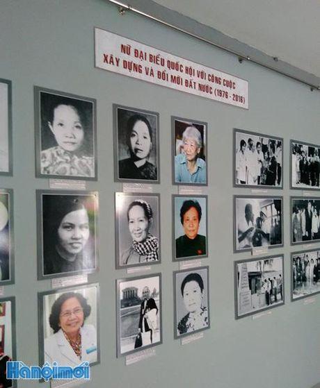 Trung bay hien vat cua nhung 'Nu dai bieu quoc hoi' - Anh 2