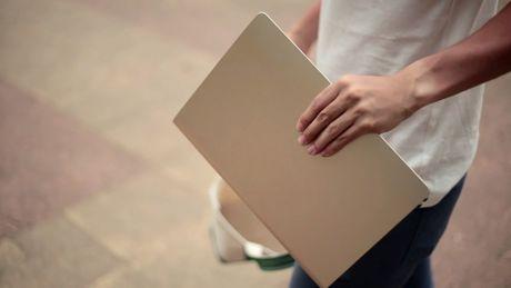 Walkcar - xe dien giong Ninebot nhung chi nho bang laptop 13 inches, chay duoc 60 phut - Anh 1