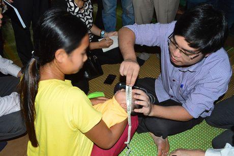 Bo Y te kiem tra truong hop be 4 thang nghi nhiem virus Zika - Anh 1